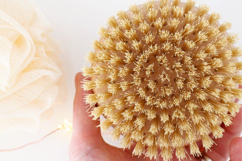 How to dry brush your skin - Ayurveda