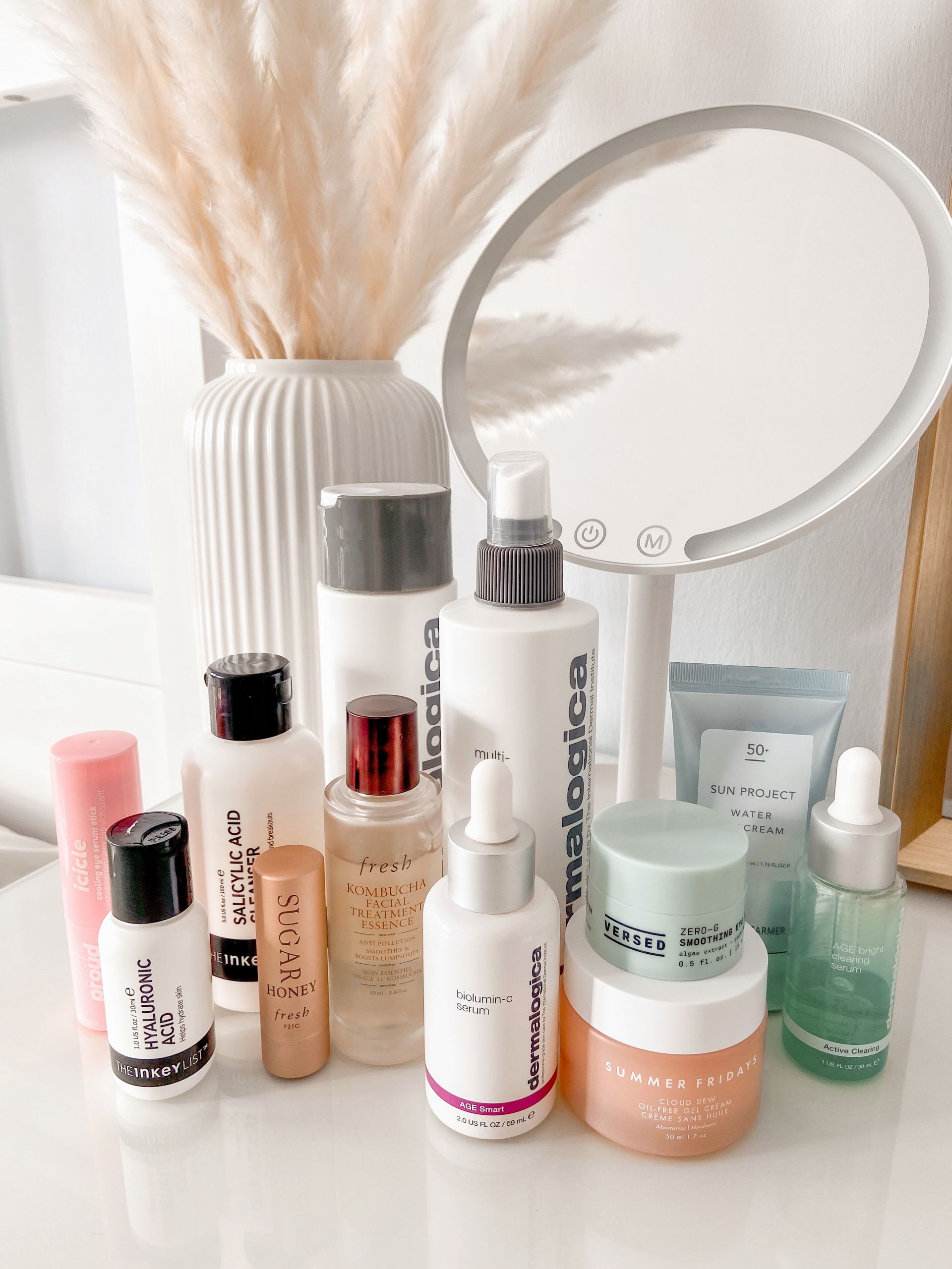 Skincare Products recommendations for oily skin in a morning routine
